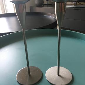 Piet Hein Venus lysestager, 21 cm høje. Brugt, men pæn stand  Prisen er for to styks - kan også sælges enkeltvis til 165 kr. stykket