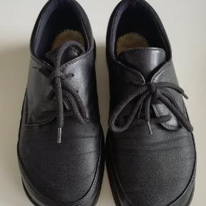 Så fine sko, sælges kun fordi de er lidt for små til mig! NB. Sålen er taget ud.