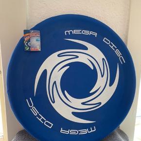 Mega disc fra Simba.  Aldrig brugt.  Perfekt på en sommerdag til en tur i parken eller sommerhuset.