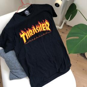 🔥 Sej unisex t-shirt fra Thrasher 🔥 Brugt nogle gange, men i god stand (printet er ikke slidt) 🔥 Np 300