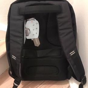 XD Design Anti-Tyveri rygsæk, sort, NY ubrugt, med tags