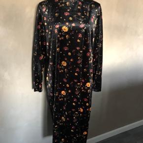 Skøn og elegant efterårs kjole fra JDY Brugt 2 gange - som ny 🌸🤩🌸