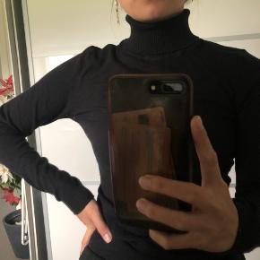 Mega blød rullekrave trøje fra Vero Moda Str: medium - set på en XS