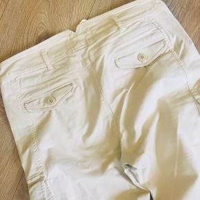 Max mara weekend Doris chinos - us size 10, svarende til EU str 40. Smukke creme bukser.
