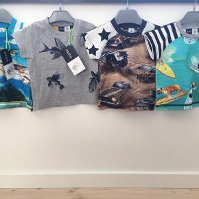 4 helt nye Molo t-shirts str. 68 Nypris 230,00 kr. x4 (i alt 920,00 kr.) 2 er NMM, 2 er NUM MP 400 kr. pp