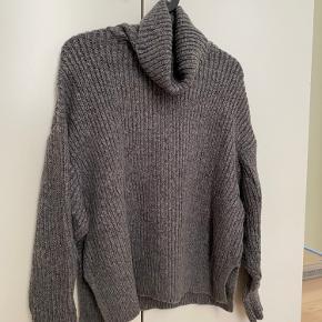Zara sweater, worn only 2-3 times. Size S.