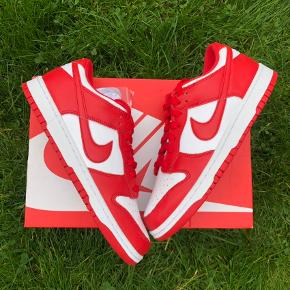 Nike Dunk Low University Red📈 Str. 43 DSWT (Helt nye) Alt Originalt medfølger📦 Mp. 2300kr (budt)