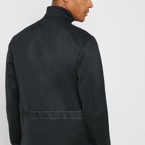 Rigtig lækker Adidas trøje sælges.  DY5826 TAN HEAVY CLUB TRØJE