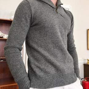 Lækker Ralph Lauren sweater til salg! Får den aldrig brugt, så den står stort set som ny. Nypris omkring de 2.000