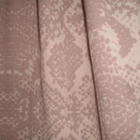 Varetype: Bluse Farve: Se billede Oprindelig købspris: 500 kr.  Sød bluse fra Cream  Str 42  100% Polyester  På Tværs af bryst 52 Længde 65 ...