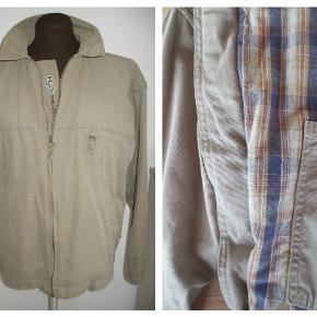 Lækker lærredsjakke fra H20, str. M (herre) Med ternet foer (flonel agtigt) Superflot til et par jeans Brugt og vasket 1 gang MP 160,- pp