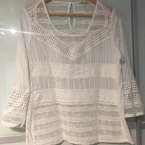 Super fin skjorte fra Garcia, str. M. Brugt få gange og er i pæn stand ☺️