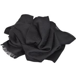 Gucci tørklæde. Aldrig brugt.  NP: 350€ MP: 1900kr.   Model: Silk and wool blended Black GG H: 180cm L:48cm