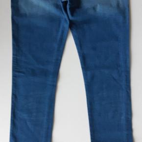 A71. 98% cotton  2% Elastan  31/34 Liv 84cm  Ben 84cm