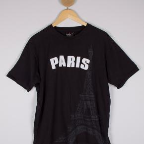 Paris t-shirt  Str XL Stand: som ny  99 kr.  Trendsales søgeord: UAS151