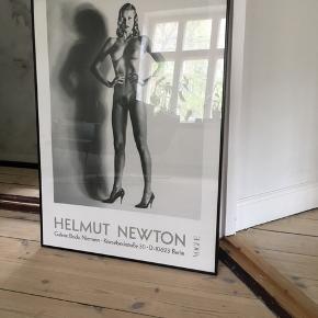 Helmut newton - vogue plakat. Ramme følger med. Bud modtages.