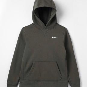 Flot hoodie. Nike.  Str 14/15år passer Xs . Brugt få gange.  Ny stand.