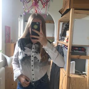 Fin skjorte med flot mønster