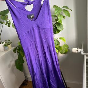 Fin kjole med flotte detaljer fra Just Cavalli. Str 40 - men svarer til small.   #trendsalesfund