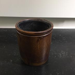 Flot Holbæk syltekrukke 7 liter. Kan bruges til planter, som potteskjuler/potte.   🌱🌱🌱🌱  Højde 23 cm Bredde 20,2 cm