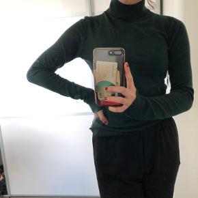 Lækker og blød trøje fra Vero Moda Str: M Prisen er ikke fast, så byd endelig :)