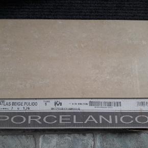 Klinker 60 x 30 cm Atlas beige polido  Blanke 9 kasser a 1.24 m2 Nypris 600 kr pr. m2 Samlet pris 2500 kr