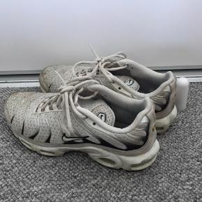 Nike TN str.40, godt brugte, men stadig i fin stand  Jeg er åben for bud så fyr👍🏻 bytter også