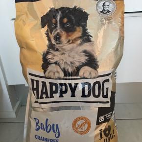 Fejlkøb af hundefoder.  Foder til hvalp fra 1 til 6 måneder. 10 kg kornfri produkt