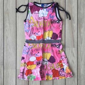 Super cool Molo kjole  Størrelse: 98 /2-3 år Købspris: 399,95  Flot multifarvet kjole str. 98 fra Molo