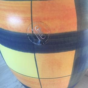 Flot spansk KERAMIK gulvvase fra INCE. Kun brugt til pynt. Højde 30 cm