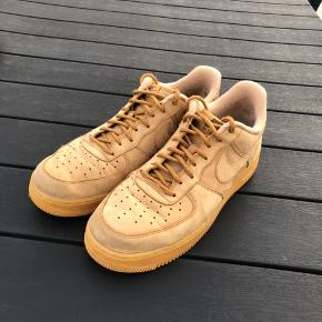 Nike air force 1 brun Str. 44 Nypris. 900  eller BYD  Cond 8/10