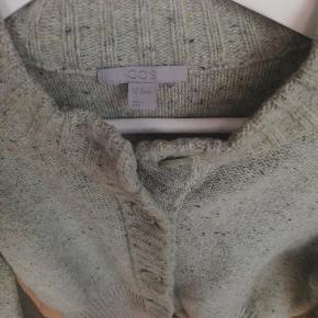 100% wool, short cardigan