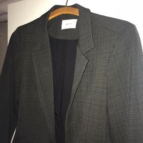 Neo noir grå blazer   Str 36   Aldrig brugt
