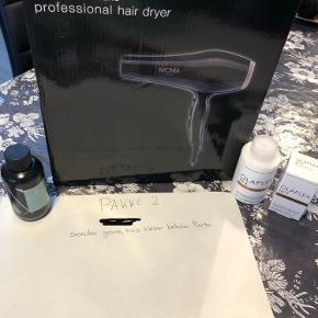 Det er en olaplex  nr.6 og en nr 7. Og en Nicma Styling Professionel Hair Dryer . Og en IDHSIR NIOPHLEX MAINTAINER NO 03 ... Og det er nyt tag det hele for 375 kr.