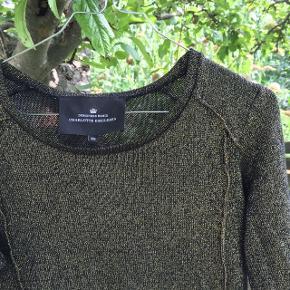 Fin trøje i guld sælges fra Designers Remix. Brugt få gange. 🌸