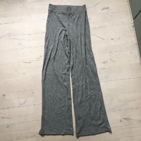 Helt nye aldrig brugt grå vildt behagelige bukser fra sisters point