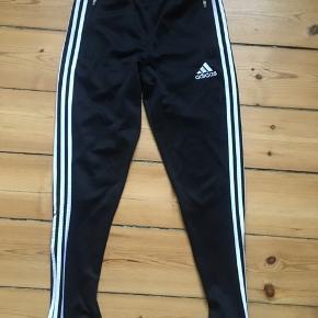 Adidasbukser - passer en x-small eller small