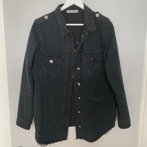Denim skjorte/jakke fra Sofie Schnoor. Som ny 😃