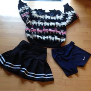 Lækker bluse i natur uld i lille str. 40 til 200kr.Adidas nederdel i str. S til 50kr. Nike shorts i str. M børn, dry-fit til 25kr.