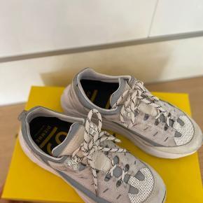 Ganni sneakers købt i maj 2019, så stadig 1 års reklamation tilbage. Kvittering haves