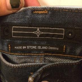 Stone Island jeans str 32