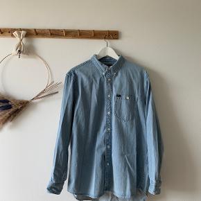 Lee skjorte