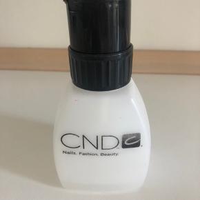CND beholder til væske.