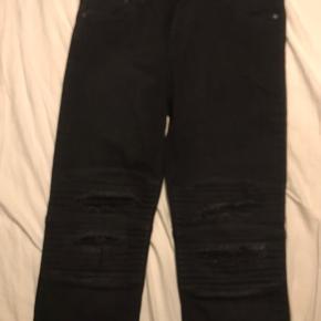 Sælger lidt ud af lidt fra skabet  Jack & Jones jeans  Str 33/32 aldrig brugt, stadig med tags  nypris 500 kr, min pris 300