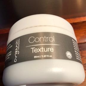 Brugt en enkelt gang. Kan kun købes hos frisørerne.  Organic Control Texture. 85 ml. Nypris 170 kr.