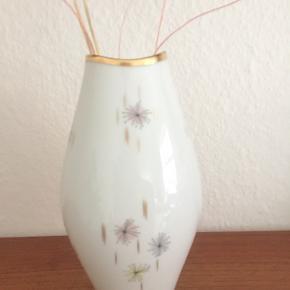 Fineste Thomas germany vase med guldkant og blomster print  Sender gerne med DAO