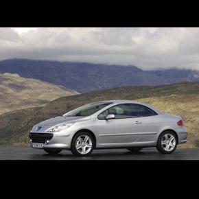 À vendre Peugeot 307 CC (Cabriolet)4 places Prix à discuter, elle aurait besoin de 1000.- de réparations pour passer l'expertise 215 000 km  Batterie neuve d'une semaines ! Idéal comme première voiture.