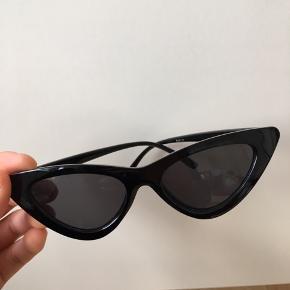 Cat-eye solbriller - aldrig brugt 🌸 Kan afhentes i Mørkhøj eller sendes med DAO for 36 kr. 🌻