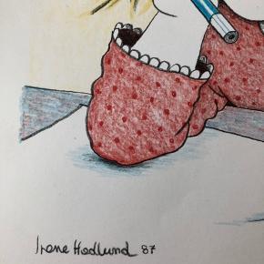 """Litografisk tryk af Irene Hedlund Udgivet i """"Børnenes Kunstmappe"""" 1987  Størrelse: 24x34,5 cm.   Signeret i trykket.   Sender gerne...  Om kunstneren: Irene Hedlunds teknik er enkel og let at beskrive. Hun bruger en markeret konturstreg og fylder ud med afstemte akvareller. Men der er ingen etiket, der bekvemt og dækkende beskriver hendes stil.  De mest åbenbare kvaliteter i hendes billeder er ro, harmoni og klarhed, kvaliteter, der gør billederne lette at orientere sig i. Når man spørger hende, om hun tegner sådan, fordi det er til børn, svarer hun ved at henvise til det, der fascinerede hende selv som barn.  """"Som barn elskede jeg japanske træsnit med deres klare farveflader og tydelige konturstreg. Akkurat som jeg kunne lide Anders And, der har de samme kvaliteter. Det er nok derfor, mine billeder også har noget af den samme klarhed. Jeg tror ikke på, at børn skal have finkulturel voksenkunst - men selvfølgelig skal de have kvalitet.""""  At det er børn, hun henvender sig til, forklarer hun ganske enkelt med, """"at børn i modsætning til voksne er storforbrugere af billeder."""" (forfatterweb.dk)  Se også mine andre annoncer med kunst💥"""
