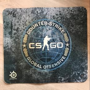 SteelSeries Counter Strike musemåtte str. 40x45 Lækker kvalitet og god stor musemåtte